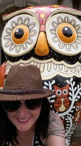 The Big Hoot Athena owl selfie