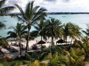 Le Mauricia private beach