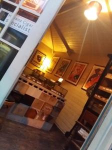 Prince of Wales cigar hut
