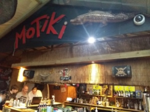 Prince of Wales motiki bar 3