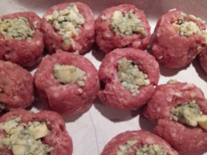 Meatballs stuffed with cheese