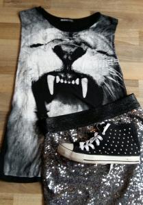 Sequin skirt lion tee hi tops