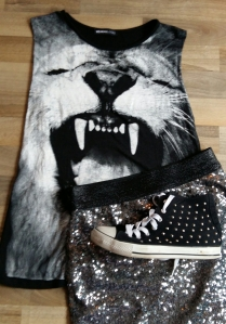 Sequin skirt lion tee hi tops
