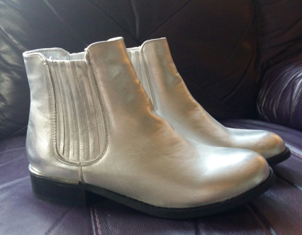 primark-silver-chelsea-boots
