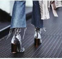 crop-flare-jeans-velvet-boots