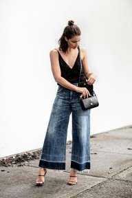 cropped-flared-jeans-cami-top