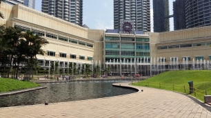 KLCC park fountains daytime 2