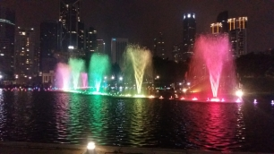 KLCC park fountains light show 12