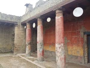 Herculaneum columns