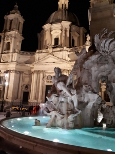 Fontana dei Quattro Fiumi and Santa Agnese in Agone church at night